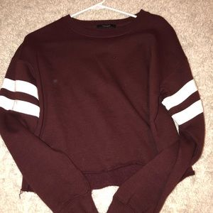 forever 21 cropped maroon crew neck💛